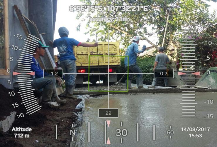 Kegiatana pembangunan rabat beton jalan desa RW 04